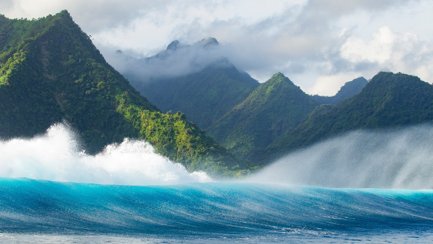 Teahupoo & Vaipoiri caves private discovery tour